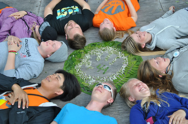 4-H-youth-in-circle